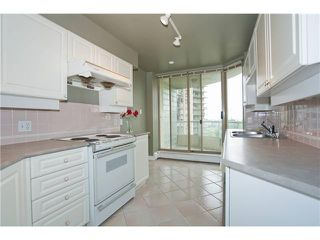 """Photo 3: 1402 6188 PATTERSON Avenue in Burnaby: Metrotown Condo for sale in """"WIMBLEDON CLUB"""" (Burnaby South)  : MLS®# V893740"""