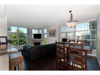 """Photo 2: 401 189 NATIONAL Avenue in Vancouver: Mount Pleasant VE Condo for sale in """"SUSSEX"""" (Vancouver East)  : MLS®# V906022"""