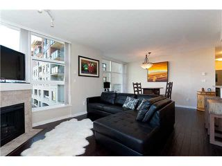 """Photo 1: 401 189 NATIONAL Avenue in Vancouver: Mount Pleasant VE Condo for sale in """"SUSSEX"""" (Vancouver East)  : MLS®# V906022"""