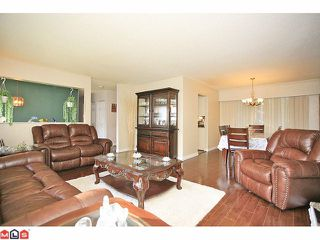 """Photo 5: 9971 125TH Street in Surrey: Cedar Hills House for sale in """"St. Helens"""" (North Surrey)  : MLS®# F1127438"""