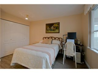 "Photo 15: 203 15439 100 Avenue in Surrey: Guildford Townhouse for sale in ""Plumtree Lane"" (North Surrey)  : MLS®# F1404844"