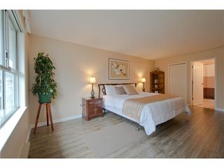 "Photo 11: 203 15439 100 Avenue in Surrey: Guildford Townhouse for sale in ""Plumtree Lane"" (North Surrey)  : MLS®# F1404844"