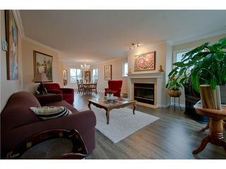 "Photo 2: 203 15439 100 Avenue in Surrey: Guildford Townhouse for sale in ""Plumtree Lane"" (North Surrey)  : MLS®# F1404844"