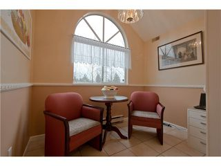 "Photo 9: 203 15439 100 Avenue in Surrey: Guildford Townhouse for sale in ""Plumtree Lane"" (North Surrey)  : MLS®# F1404844"