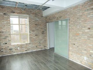 Photo 2: 7 736 E Dundas Street in Toronto: Regent Park Condo for lease (Toronto C08)  : MLS®# C2901570