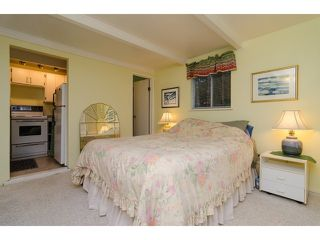 Photo 15: 1381 EVERALL Street: White Rock House for sale (South Surrey White Rock)  : MLS®# F1432158