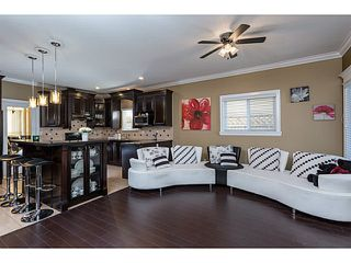 Photo 8: 13119 88TH Avenue in Surrey: Queen Mary Park Surrey House for sale : MLS®# F1433746