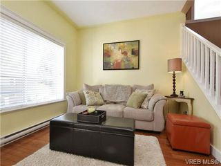 Photo 3: 5 6961 East Saanich Rd in SAANICHTON: CS Tanner Row/Townhouse for sale (Central Saanich)  : MLS®# 713075