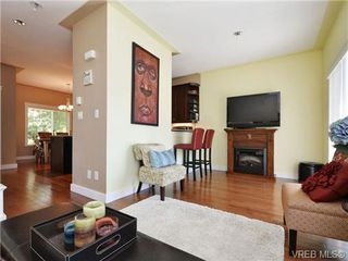 Photo 4: 5 6961 East Saanich Rd in SAANICHTON: CS Tanner Row/Townhouse for sale (Central Saanich)  : MLS®# 713075
