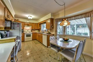 "Photo 8: 15325 94TH Avenue in Surrey: Fleetwood Tynehead House for sale in ""BERKSHIRE PARK"" : MLS®# R2042163"