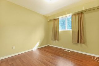 Photo 10: 1925 LYNN Avenue in Abbotsford: Central Abbotsford House for sale : MLS®# R2043834