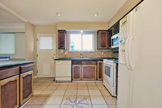 Photo 7: 1925 LYNN Avenue in Abbotsford: Central Abbotsford House for sale : MLS®# R2043834