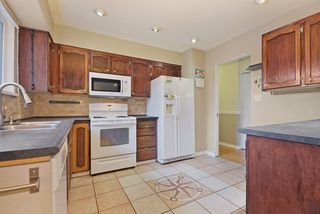 Photo 6: 1925 LYNN Avenue in Abbotsford: Central Abbotsford House for sale : MLS®# R2043834