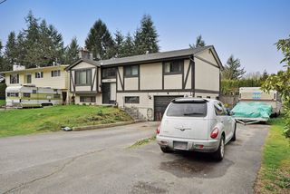 Photo 2: 1925 LYNN Avenue in Abbotsford: Central Abbotsford House for sale : MLS®# R2043834