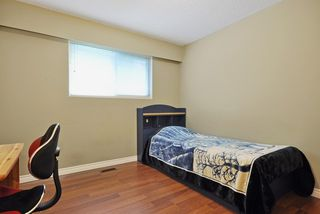 Photo 11: 1925 LYNN Avenue in Abbotsford: Central Abbotsford House for sale : MLS®# R2043834