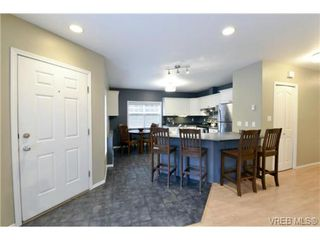 Photo 9: 846 Finlayson St in VICTORIA: Vi Mayfair Half Duplex for sale (Victoria)  : MLS®# 725172