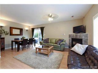 Photo 7: 846 Finlayson St in VICTORIA: Vi Mayfair Half Duplex for sale (Victoria)  : MLS®# 725172