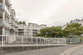 Photo 3: 305 14377 103 Avenue in Surrey: Whalley Condo for sale (North Surrey)  : MLS®# R2119129