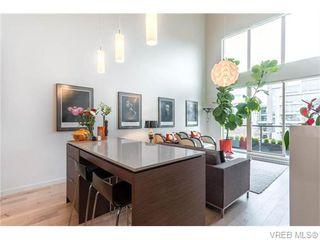 Photo 2: 402 601 Herald Street in VICTORIA: Vi Downtown Condo Apartment for sale (Victoria)  : MLS®# 371871