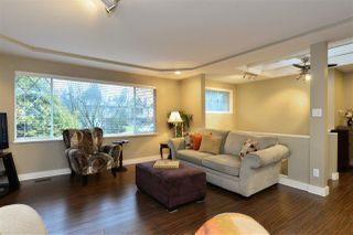 Photo 3: 15639 18A Avenue in Surrey: King George Corridor House for sale (South Surrey White Rock)  : MLS®# R2138392