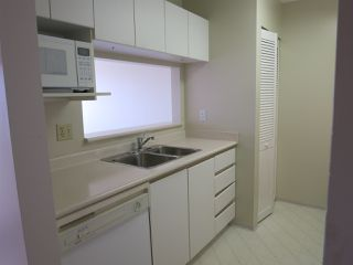 """Photo 9: 316 4990 MCGEER Street in Vancouver: Collingwood VE Condo for sale in """"CONNAUGHT"""" (Vancouver East)  : MLS®# R2141317"""