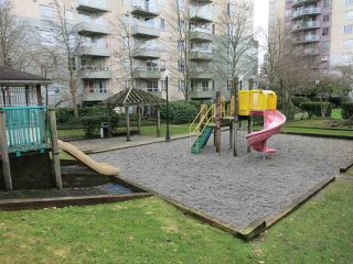 "Photo 4: 316 4990 MCGEER Street in Vancouver: Collingwood VE Condo for sale in ""CONNAUGHT"" (Vancouver East)  : MLS®# R2141317"