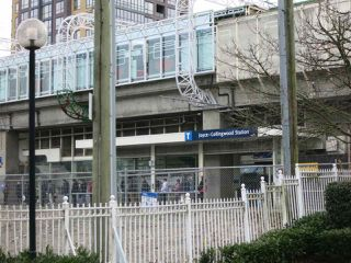 """Photo 6: 316 4990 MCGEER Street in Vancouver: Collingwood VE Condo for sale in """"CONNAUGHT"""" (Vancouver East)  : MLS®# R2141317"""