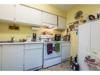 """Photo 8: 14839 HOLLY PARK Lane in Surrey: Guildford Townhouse for sale in """"Holly Park Lane"""" (North Surrey)  : MLS®# R2154252"""