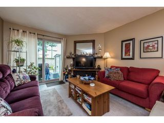 """Photo 4: 14839 HOLLY PARK Lane in Surrey: Guildford Townhouse for sale in """"Holly Park Lane"""" (North Surrey)  : MLS®# R2154252"""