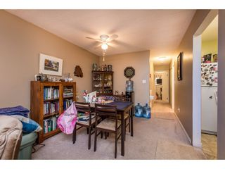 """Photo 7: 14839 HOLLY PARK Lane in Surrey: Guildford Townhouse for sale in """"Holly Park Lane"""" (North Surrey)  : MLS®# R2154252"""