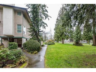 """Photo 2: 14839 HOLLY PARK Lane in Surrey: Guildford Townhouse for sale in """"Holly Park Lane"""" (North Surrey)  : MLS®# R2154252"""