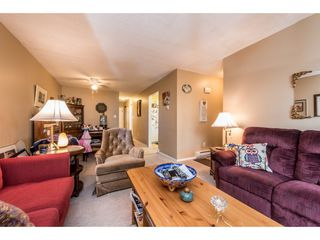"""Photo 5: 14839 HOLLY PARK Lane in Surrey: Guildford Townhouse for sale in """"Holly Park Lane"""" (North Surrey)  : MLS®# R2154252"""