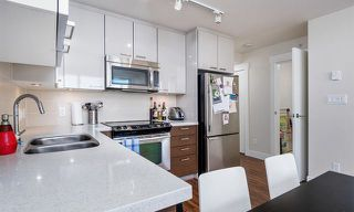 Photo 2: 405 258 Sixth Street in New Westminster: Uptown NW Condo for sale : MLS®# R2186630