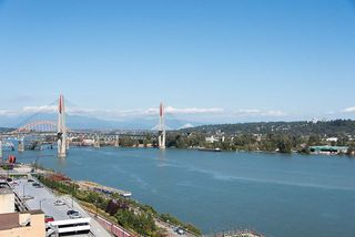 "Photo 1: 1708 668 COLUMBIA Street in New Westminster: Quay Condo for sale in ""TRAPP & HOLBROOK"" : MLS®# R2198786"