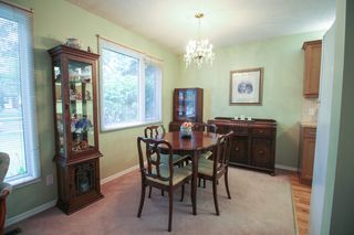 Photo 8: Gorgeous side by side for sale in Oakwood Estates