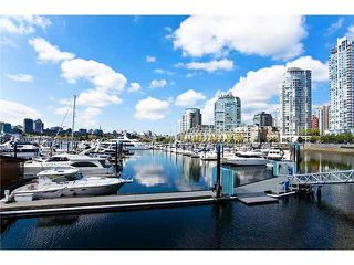 Photo 15: 201 1228 MARINASIDE CRESCENT in Vancouver: Yaletown Condo for sale (Vancouver West)  : MLS®# R2128055