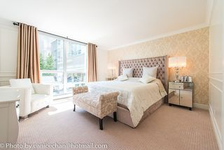 Photo 2: 201 1228 MARINASIDE CRESCENT in Vancouver: Yaletown Condo for sale (Vancouver West)  : MLS®# R2128055