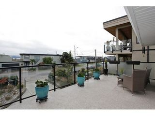 Photo 3: 15921 PACIFIC Ave in South Surrey White Rock: Home for sale : MLS®# F1425663