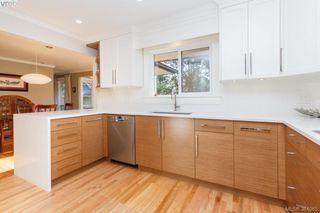 Photo 6: 3557 Kelsey Pl in VICTORIA: OB Henderson House for sale (Oak Bay)  : MLS®# 771936