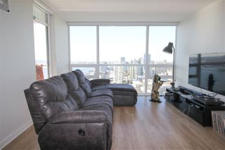 """Photo 2: 2005 125 COLUMBIA Street in New Westminster: Downtown NW Condo for sale in """"NORTHBANK"""" : MLS®# R2242128"""