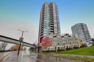 """Photo 1: 2005 125 COLUMBIA Street in New Westminster: Downtown NW Condo for sale in """"NORTHBANK"""" : MLS®# R2242128"""