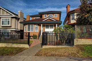 Photo 1: 3155 E 6TH Avenue in Vancouver: Renfrew VE House for sale (Vancouver East)  : MLS®# R2245346