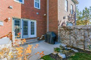 Photo 29: 1048 GAULT Boulevard NW in Edmonton: Zone 27 Townhouse for sale : MLS®# E4134587