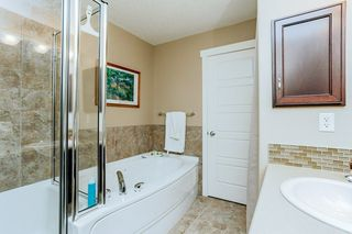 Photo 15: 1048 GAULT Boulevard NW in Edmonton: Zone 27 Townhouse for sale : MLS®# E4134587