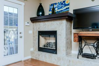 Photo 4: 1048 GAULT Boulevard NW in Edmonton: Zone 27 Townhouse for sale : MLS®# E4134587