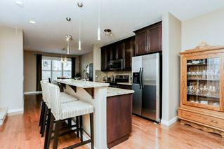 Photo 6: 1048 GAULT Boulevard NW in Edmonton: Zone 27 Townhouse for sale : MLS®# E4134587