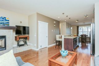 Photo 5: 1048 GAULT Boulevard NW in Edmonton: Zone 27 Townhouse for sale : MLS®# E4134587
