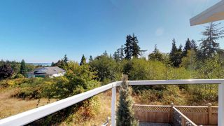 Photo 4: 6211 BAILLIE Road in Sechelt: Sechelt District House for sale (Sunshine Coast)  : MLS®# R2325977