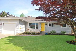 Main Photo: 7525 MAPLE Crescent: Agassiz House for sale : MLS®# R2326934