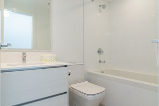 """Photo 10: 3707 6098 STATION Street in Burnaby: Metrotown Condo for sale in """"Station Square II"""" (Burnaby South)  : MLS®# R2333454"""